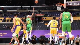 Nba: Utah e Phoenix non sbagliano, super Curry contro Philadelphia