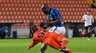 L'Inter sbatte sullo Spezia: Conte frena ancora, ma l'obiettivo si avvicina
