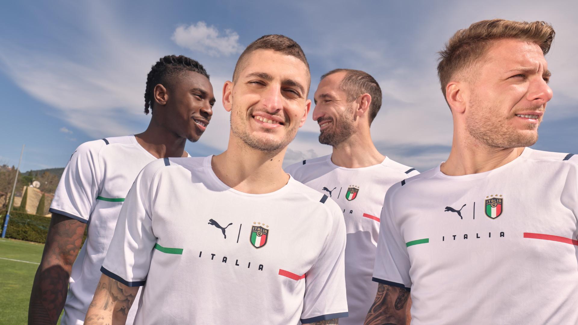 Puma ha presentato un nuovo approccio rivoluzionario e innovativo per il design del kit da calcio Away 2021 della Nazionale Italiana. Il nuovo kit &egrave; stato svelato come parte della campagna &#39;Only See Great&#39; di Puma che celebra l&rsquo;unicit&agrave; e l&#39;orgoglio nazionale dell&#39;Italia<br /><br />
