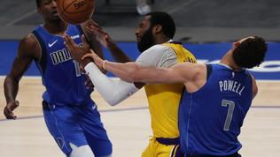 Davis rientra ma i Lakers si arrendono a Doncic. Ai Bucks il big match