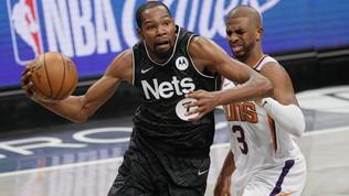 Durant-Irving show per i Nets, Gallinaricecchino dalla lunetta
