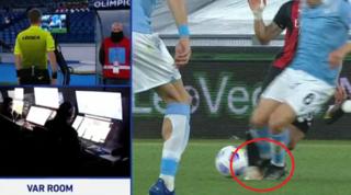 Contatto Leiva-Calhanoglu, Orsato al VAR ma convalida il gol di Correa
