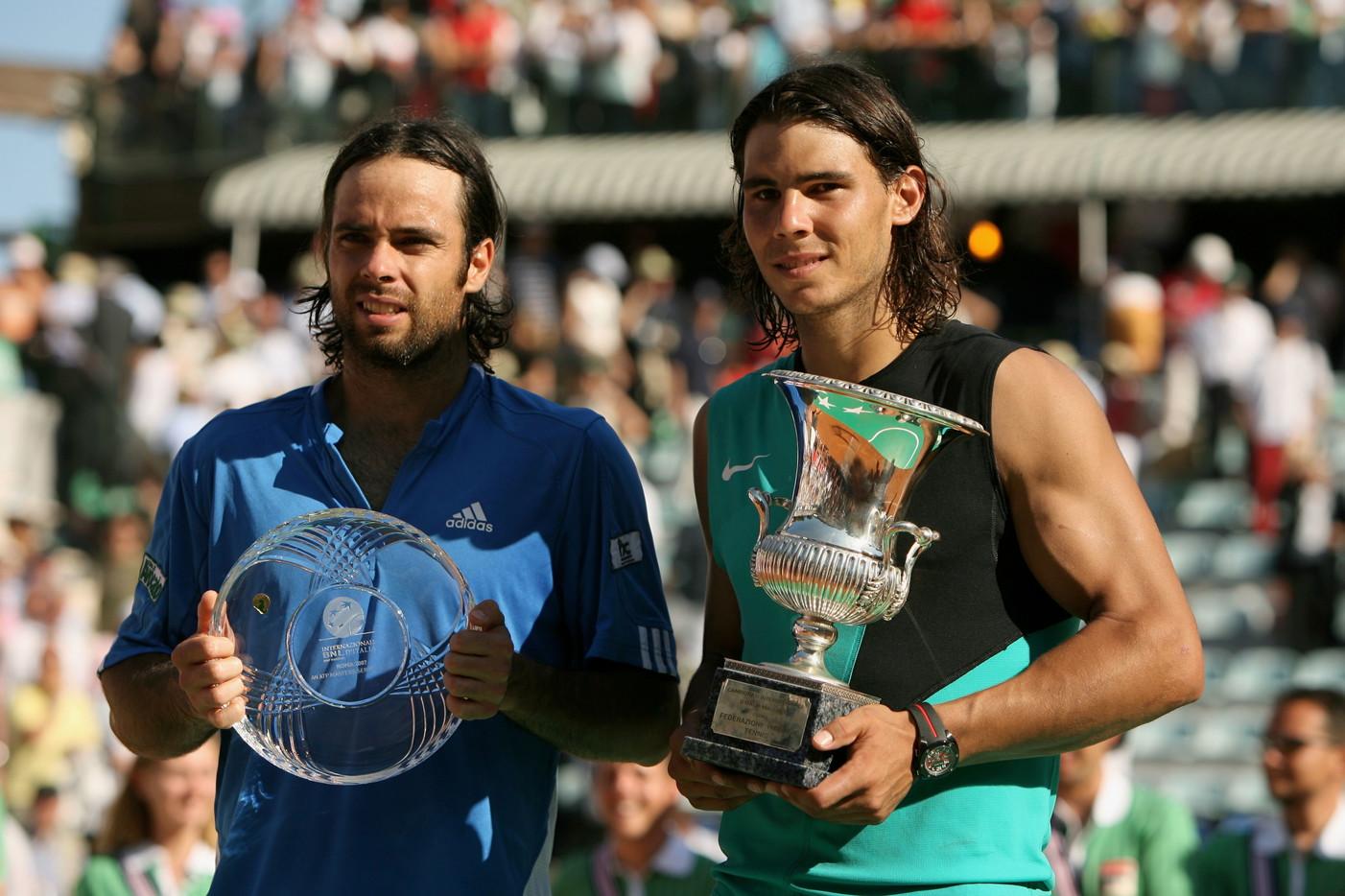 Più breve, ma altrettanto significativa, la terza vittoria consecutiva di Nadal nel 2007 ai danni del cileno Gonzalez.