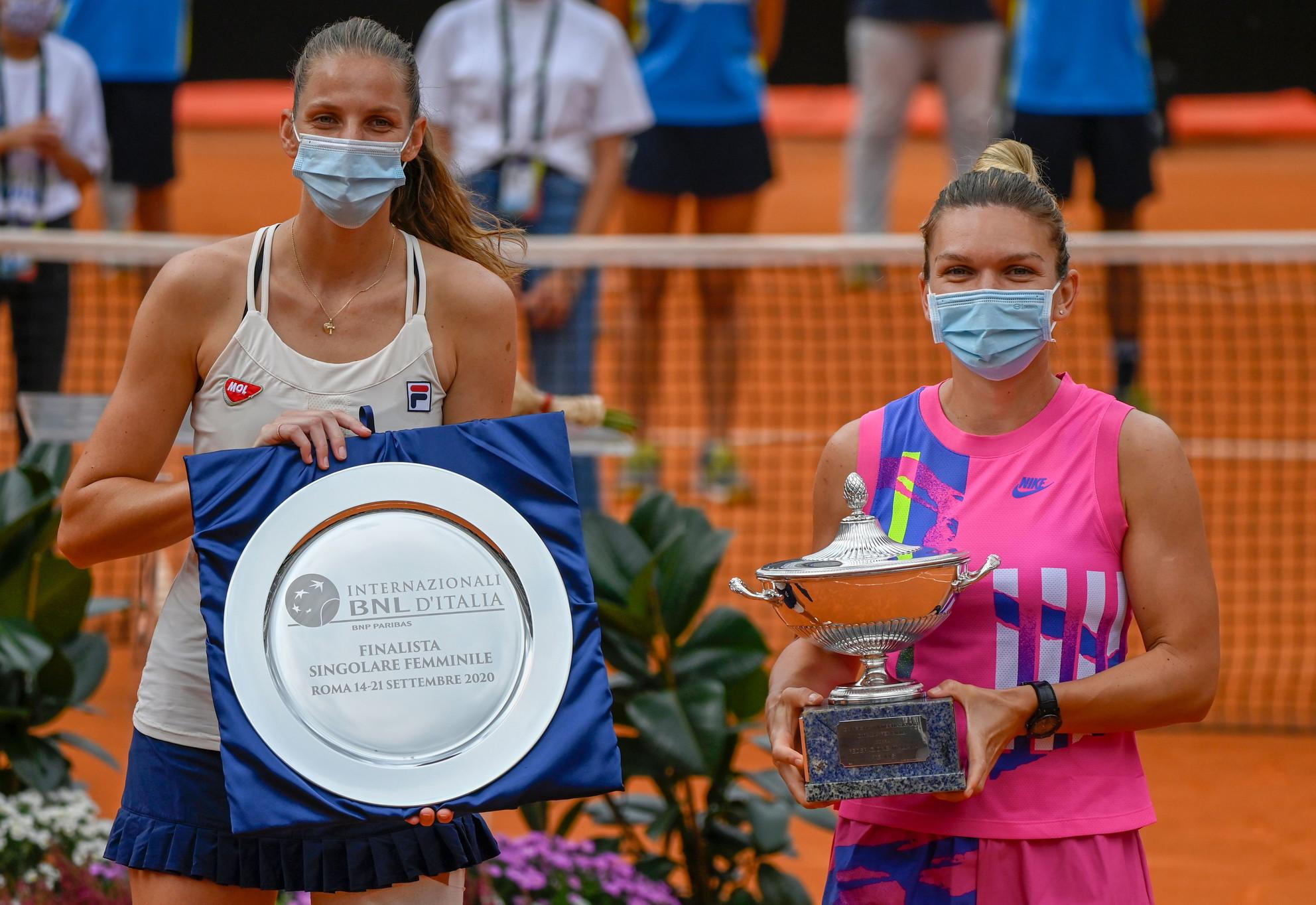 Nel 2020, infine, ecco il tanto agognato primo trionfo sulla terra rossa romana per Simona Halep, che ha avuto la meglio sulla ceca Pliskova costretta al forfait nel secondo set.