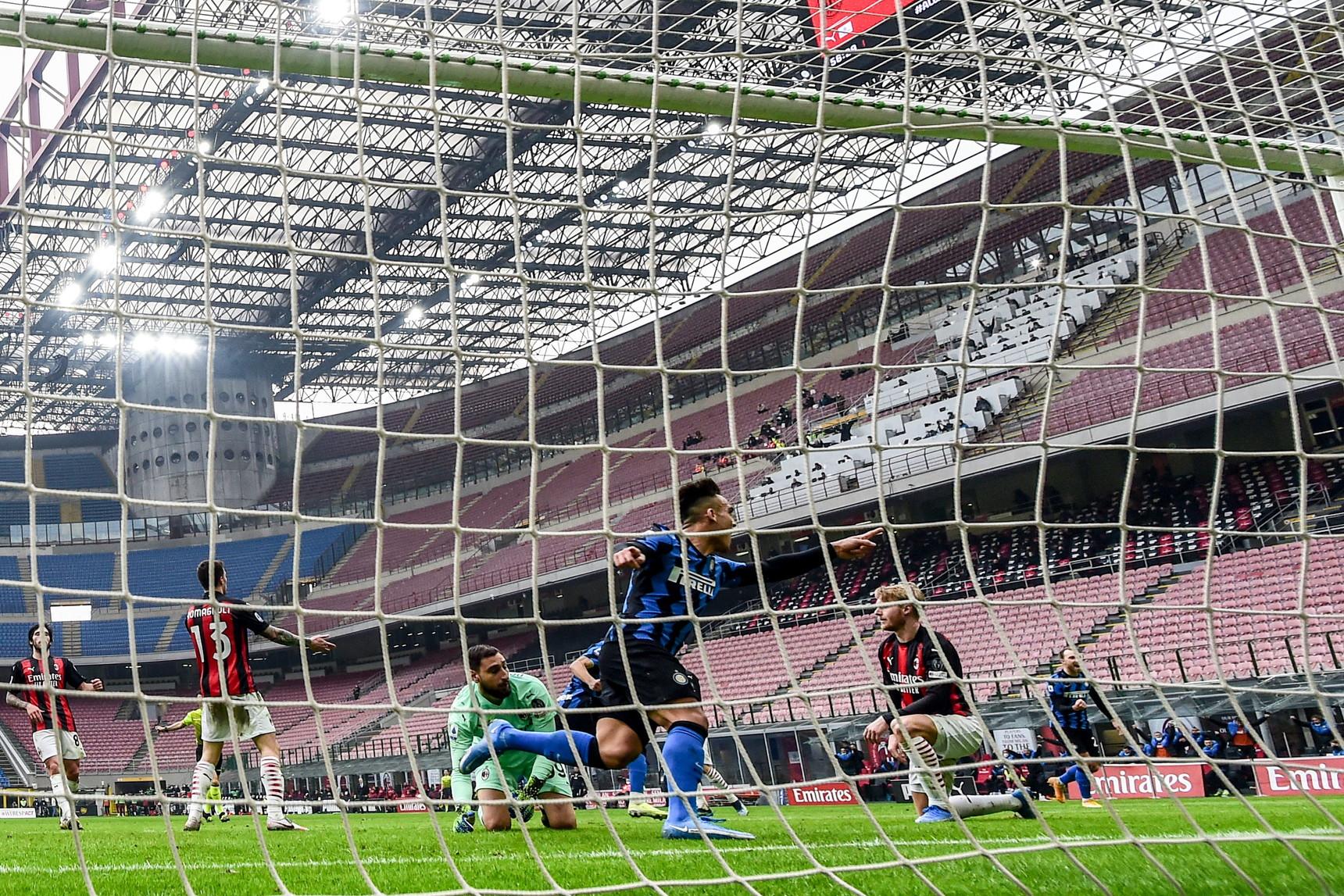 Milan-Inter 0-3, 21 febbraio: dopo il sorpasso, la fuga con il bel successo nel derby