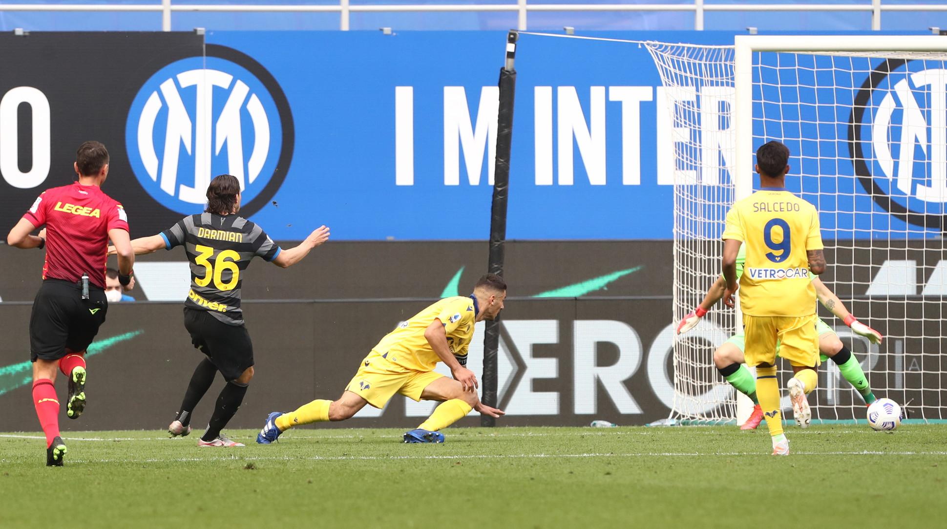 Inter-Verona 1-0, 25 aprile: la lunga rincorsa allo scudetto passa anche attraverso i gol dei cosiddetti gregari in un match molto complicato