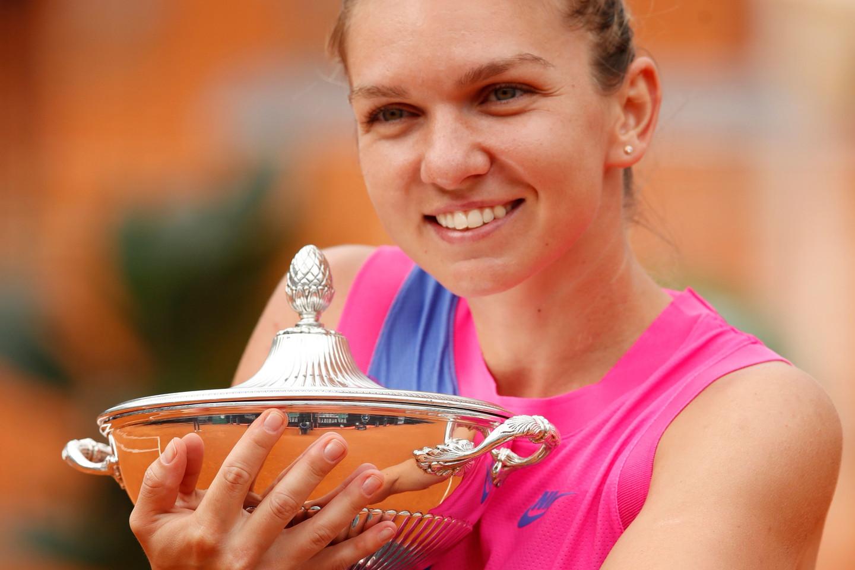 C'è anche la rumena Simona Halep, numero 3 WTA e campionessa in carica, essendo riuscita nel settembre scorso a fare finalmente centro sui campi del Foro Italico.