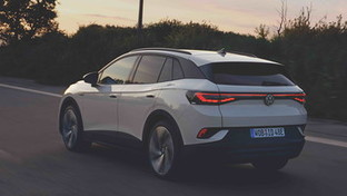 ID.4, SUV 100% elettrico: tecnologia green e anima sportiva