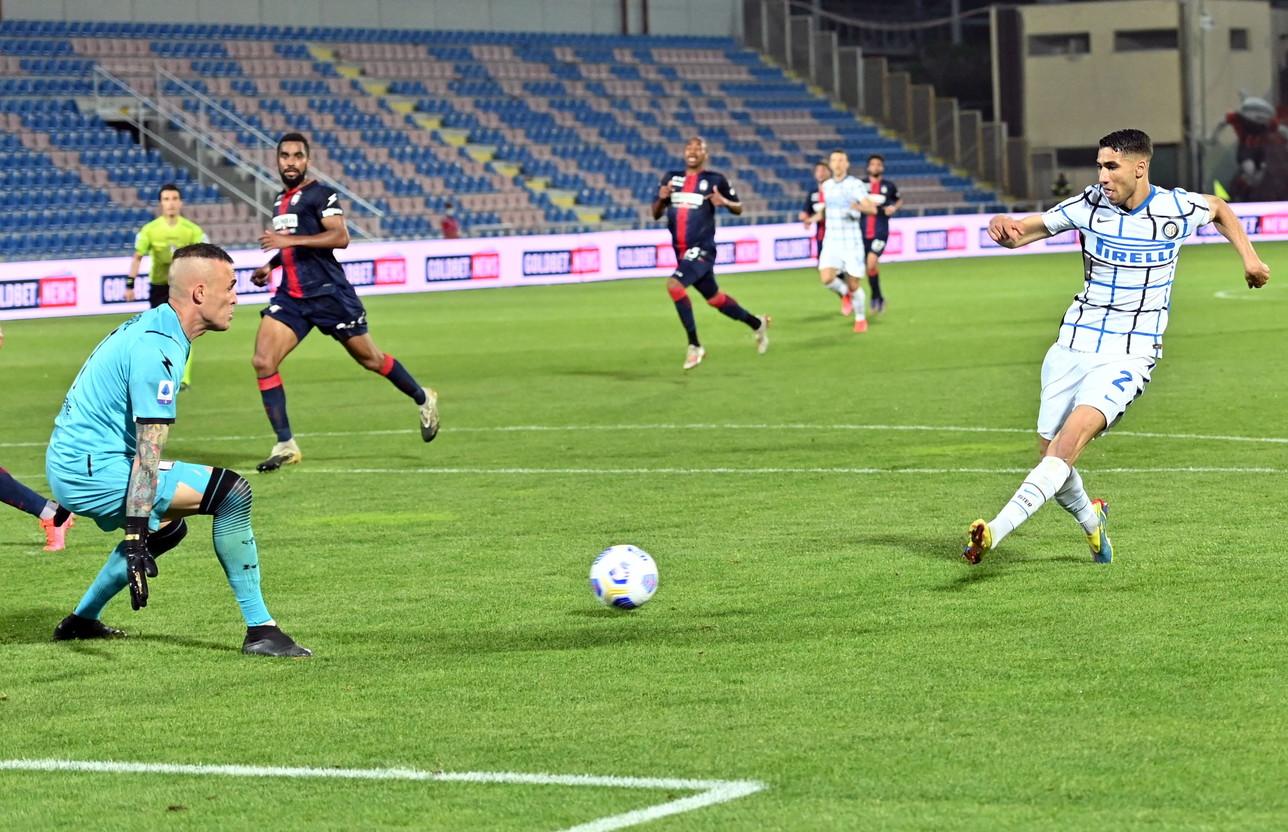 Crotone-Inter 0-2, 1 maggio: i nerazzurri non mollano e vincono anche in Calabria