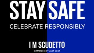 """L'Inter ai tifosi: """"Festeggiate in modo responsabile"""". Ma è polemica sugli assembramenti"""