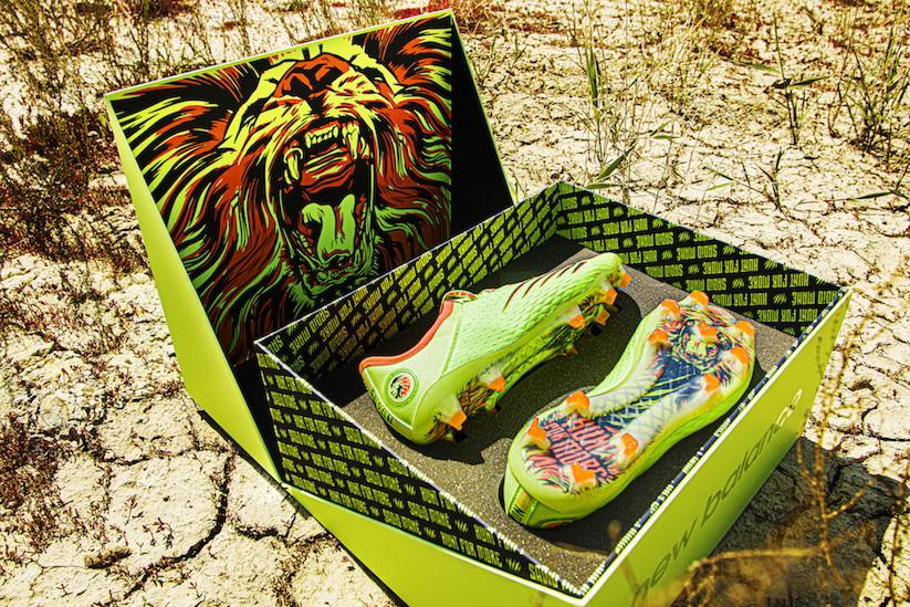 New Balance e Sadio Man&eacute; firmano un nuovo accordo a lungo termine e presentano una scarpa personalizzata per l&#39;occasione<br /><br />