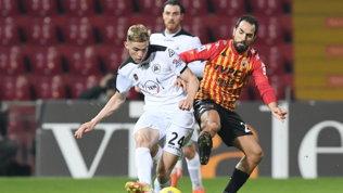 Lotta salvezza per cinque squadre: Benevento disperato, rischio Spezia