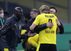 Haaland e Sancho trascinano il Dortmund: 4-1 al Lipsia in finale