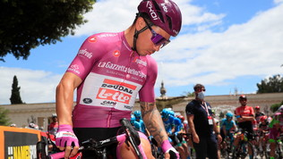 Giro d'Italia,Caleb Ewansi ritira dopo una caduta