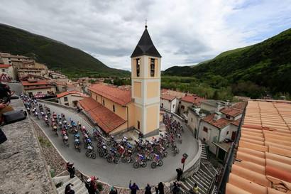 Egan Bernal ha vinto la nona tappa da Castel di Sangro a Campo Felice. Al secondo e terzo posto si sono classificati rispettivamente Giulio Ciccone e Aleksandr Vlasov.