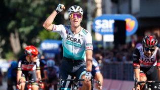 Acuto di Sagan a Foligno, Bernal resta in maglia rosa
