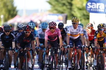 <p>Andrea Vendrame si è aggiudicato la 12ª tappa del Giro d'Italia, 212 km e 4 GPM da Siena a Bagno di Romagna.</p>