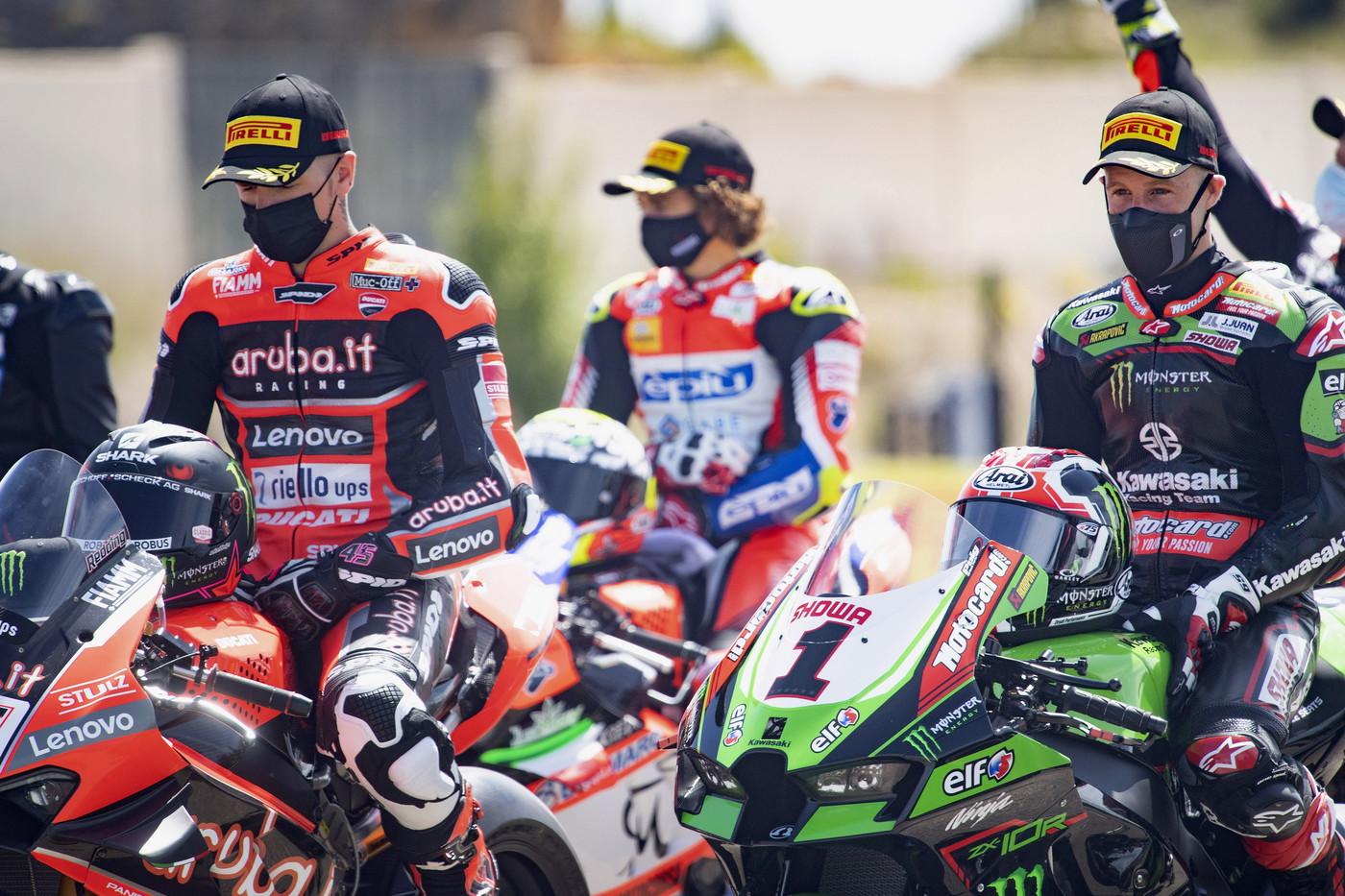 Dopo una lunga attesa, &egrave; finalmente scattato anche il Mondiale Superbike. Ad Aragon piloti e moto in bosa prima di scendere in pista per le prime prove del weekend.<br /><br />