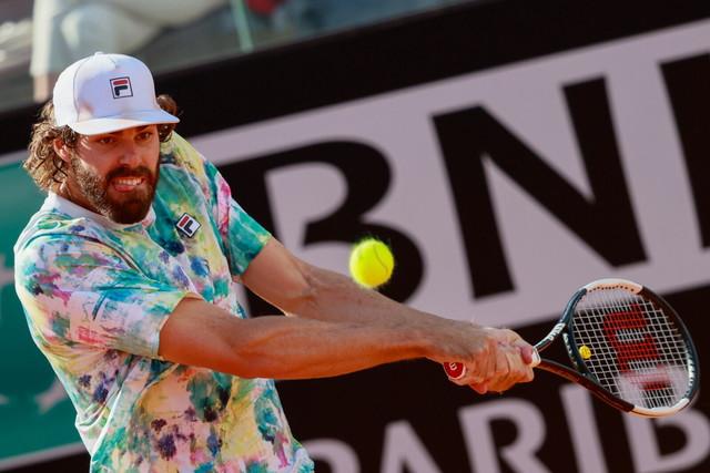 Il gigante americano Opelka, 211 centimetri, si arrende solo in semifinale a Nadal.
