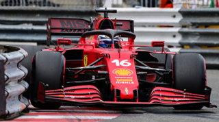 Il cambio beffa Leclerc: niente gara a Monaco dopo la pole