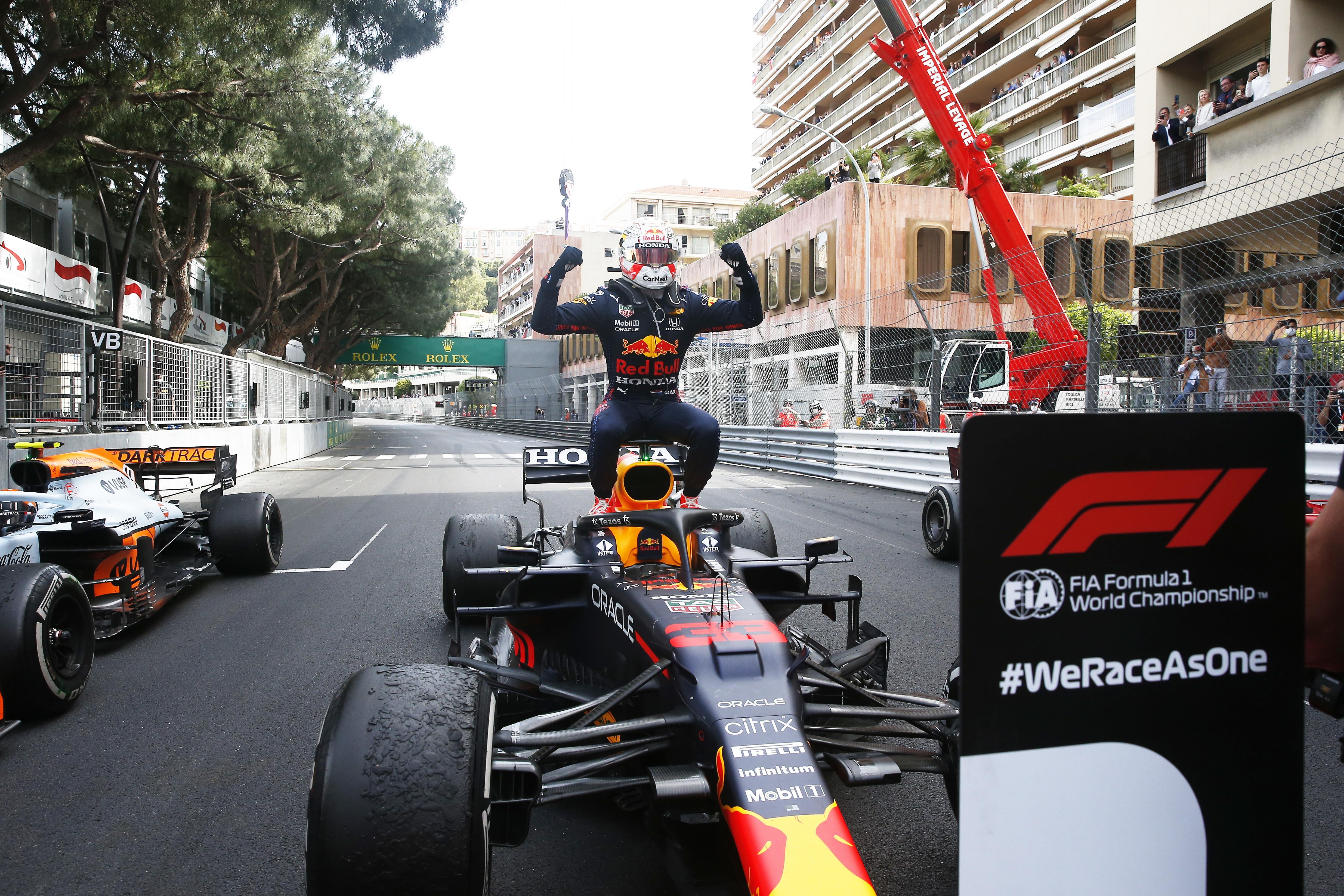 Il pilota Red Bull conquista il successo nel GP di Monte Carlo, quinta tappa del mondiale di Formula Uno, e supera Lewis Hamilton in classifica generale.<br /><br />