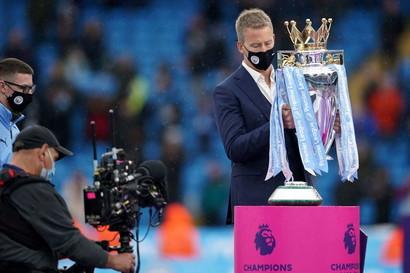 Dopo la manita rifilata all&#39;Everton nell&#39;ultima giornata &egrave; stato il momento della festa per il Manchester City, che alza al cielo il terzo titolo di Premier in quattro anni. Grande gioia per Guardiola e l&#39;addio a Sergio Aguero, che lascia il club tra le lacrime con una doppietta.&nbsp;<br /><br />