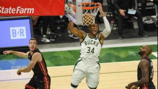 IBucks travolgono Miami, Denver pareggia la serie contro Portland
