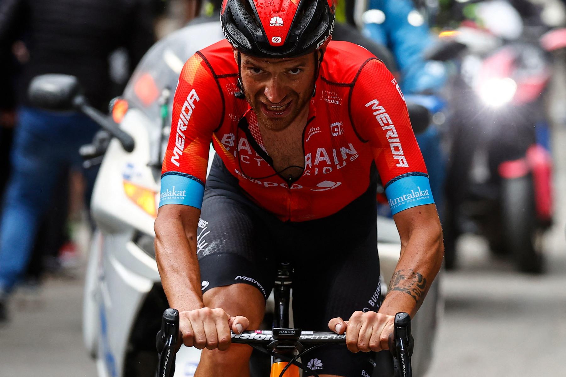 Vince Damiano Caruso! Straordinario il siciliano della Bahrain-Victorious.