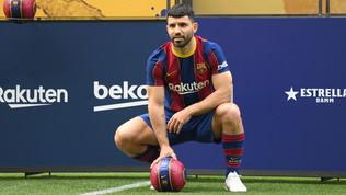Barcellona:Agueropresentato al Camp Nou