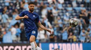 Giroud ha rinnovato col Chelsea, ma non chiude le porte al Milan