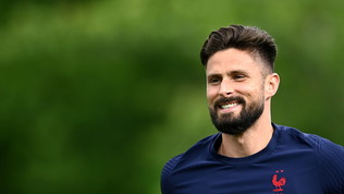 "Giroud ""flirta"" col Milan: ""Grande club, ho adorato tanti campioni rossoneri"""