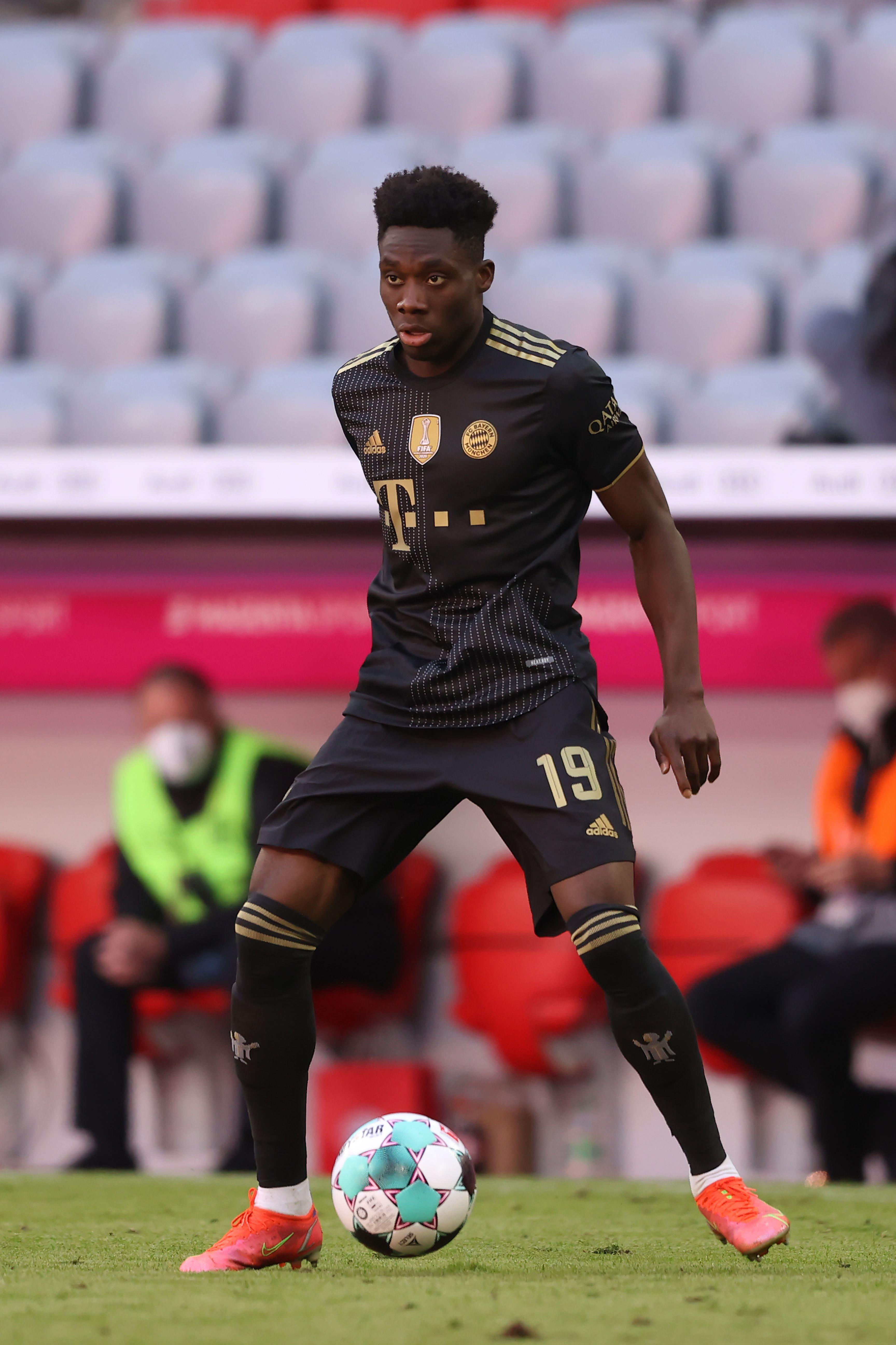 8) Davies, Bayern Monaco: 131,6 milioni di euro