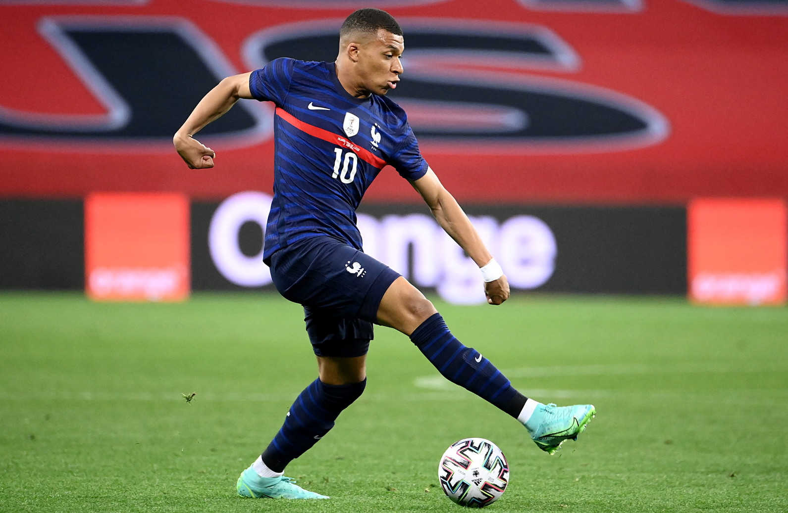 1) Mbappé, Francia/PSG: 160 milioni di euro