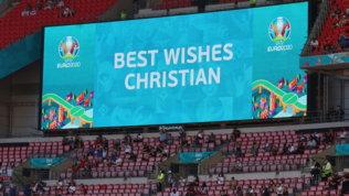 """Il tabellone di Wembley per Eriksen: """"I migliori auguri, Christian"""""""