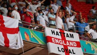 Dramma a Wembley: tifoso inglese cade dagli spalti, è grave