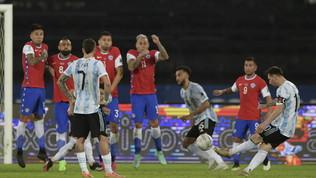 """Capolavoro di Messi, ma il Cile strappa l'1-1 all'Argentina """"nonostante""""Vidal"""