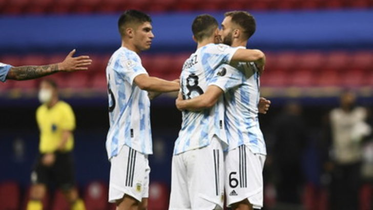 All'Argentina basta Rodriguez, Uruguay ko. Vince anche il Cile