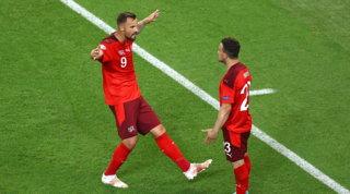 Seferovic e Shaqiri affondano la Turchia, ora la Svizzera può sperare