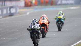 La pioggia incorona ancora Viñales, Rossi e Bagnaia giù