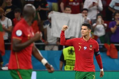 JUVENTUS: 8 gol - Cristiano Ronaldo (5), Ramsey, Morata, Chiesa