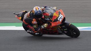 Altra doppietta per KTM Ajo: Fernandez trionfa in fuga su Gardner