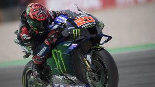 Quartararo in fuga per il mondiale, Yamaha fa doppietta. Ritiro per Rossi