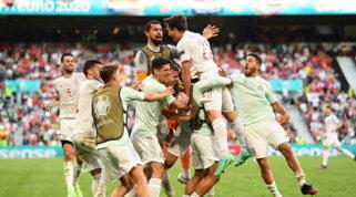 Spagna all'inferno e ritorno: Croazia ko ai supplementari, Furie Rosse ai quarti