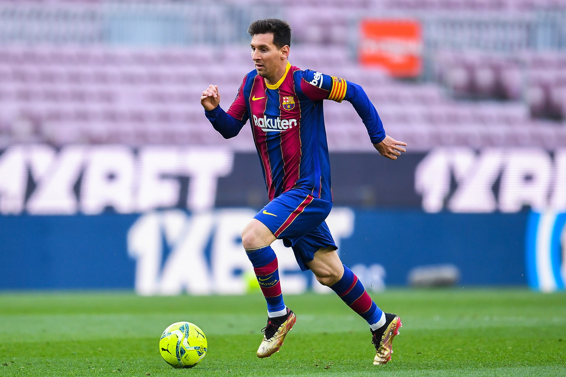 Lionel Messi (Barcellona - Argentina) - Quando si parla di Pallone d'Oro è candidato a prescindere, certo ha meno carte da giocare rispetto al passato