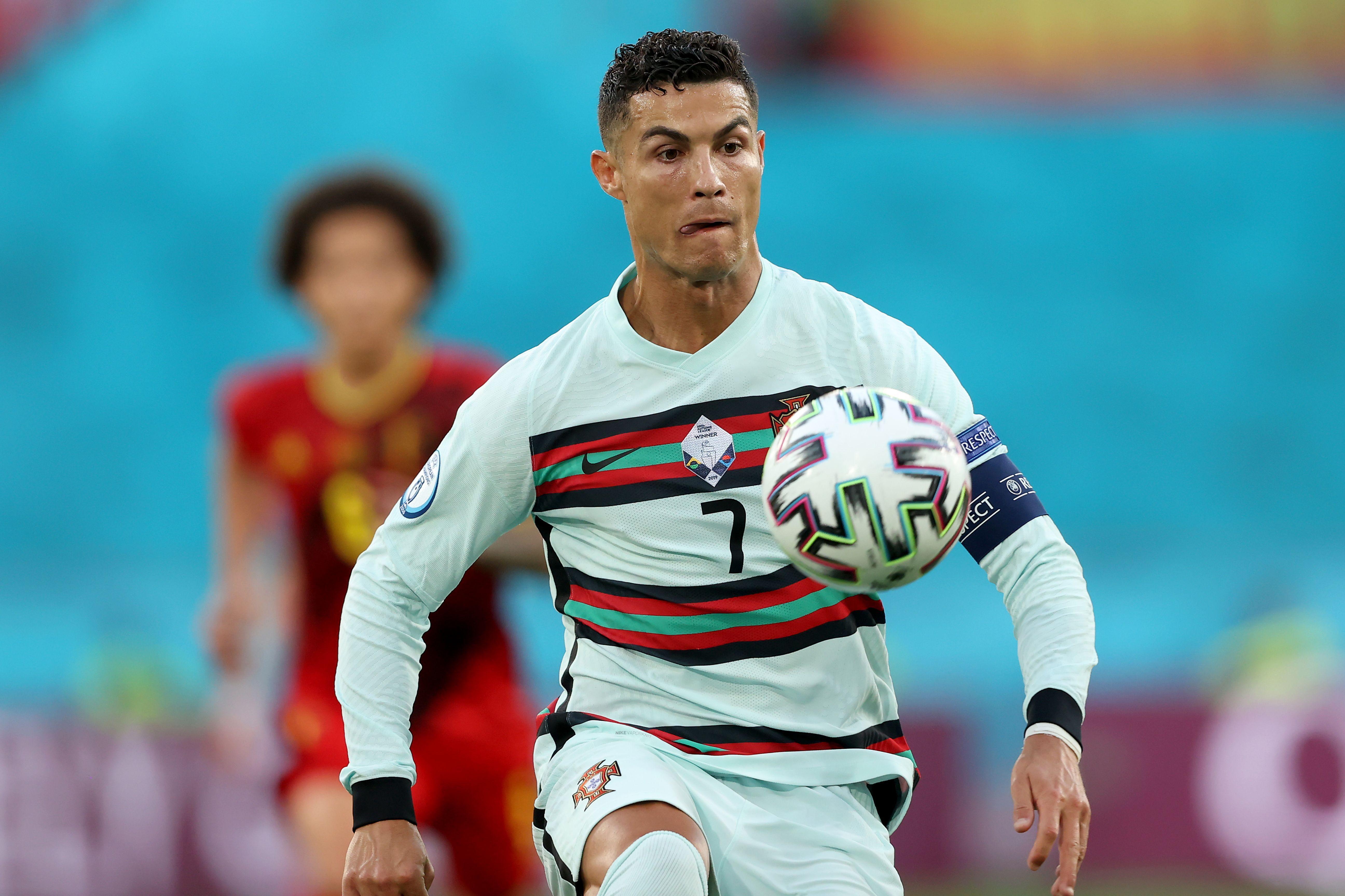 Cristiano Ronaldo (Juventus - Portogallo) - Come per Messi, impossibile non candidarlo alla vittoria. Ma tra Juve e Portogallo è sempre arrivato lontano dal traguardo