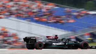 """Hamilton: """"Red Bull ha qualcosa in tasca"""". Max: """"Sarà una sfida"""""""