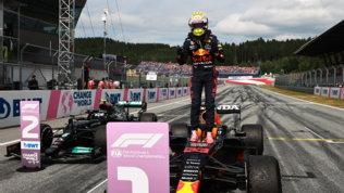 """Verstappen  sorpreso ,Norris: """"Bello lottare così"""". Hamilton  duro"""