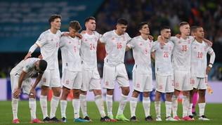 """Piqué rosica: """"Non è giusto che l'Italia abbia tirato il primo rigore"""""""
