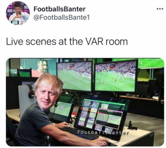 """In diretta dalla VAR room"""