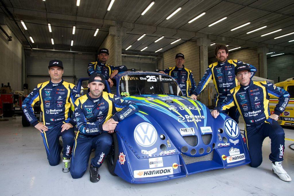 Un team tutto italiano con Liuzzi, Tabacchi, Salvadori, Simoni, Cremascoli e Bartyan.<br /><br />